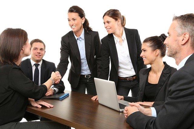 ¿Se pregunta cómo la gente está ganando dinero en línea? ¡Lea este artículo para aprender!